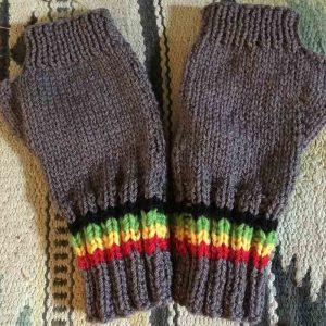 natural-fingerless-gloves-2